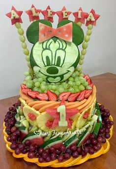 Minnie Mouse fruit tray is a fun way of celebrating Baby's Birthday Fresh… fruit carving Baby's Birthday Fruit Arrangements Fruit Birthday Cake, Baby 1st Birthday, Birthday Ideas, Edible Fruit Arrangements, Fruits Decoration, Food Art For Kids, Edible Creations, Food Carving, Watermelon Carving