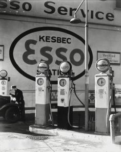 Gasoline Station, Manhattan, 1935, photo by Berenice Abbott  via 1bohemian