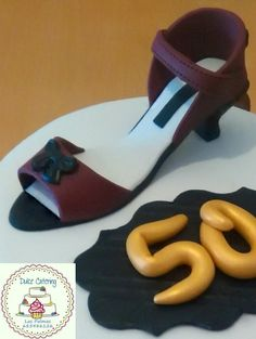 Tarta 50 años https://www.facebook.com/Dulcecatering.mesasdulces?ref=hl
