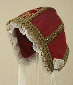 Bilder: Dåpsluer - www.toveaasland.com Kappor, Bonnets, Winter Hats, Dolls, Sewing, Fashion, Fascinators, Pictures, Baby Dolls