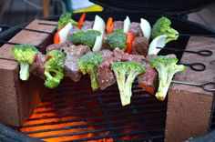 Colors of the flag of Ireland Kebabs!  Happy St. Paddy's day indeed!  From our favorite Missoula Grilling Master, Paul Sidoriak.  http://grillingmontana.com/2013/03/10/colors-of-the-flag-of-ireland-kebabs/#