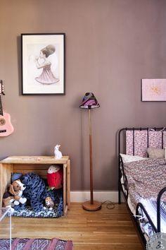 Väggfärg och säng Home Visits - Lovely Life - Lovely Life - page 2 Dream Bedroom, Home Decor Bedroom, Girls Bedroom, Bedroom Ideas, Bedrooms, Shabby, Girl Room, Baby Room, Decoracion Vintage Chic
