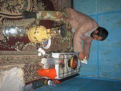 Teheran, 12.9.2011. Von der Grenzstadt Dogoubayazit geht aus es nach der Besteigung des Ararat in den Iran. Marcel ist wieder nach Hause geflogen, ich bin allein. Mit dem Minibus zunaechst zwanzig …