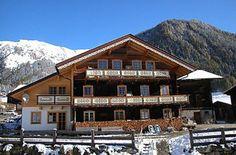 Bauernhof | Pahlhof | Kals am Großglockner | Osttirol Style At Home, Cabin, House Styles, Home Decor, National Forest, Vacation, Haus, Room Decor, Cabins