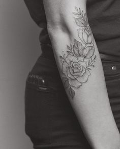 I want lilies to look like they wrap around my forearm in a similar way