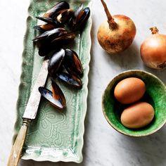 Brickfat i färg antik, Multikopp i nya glasyren sjögräs. Finns hos http://www.treshome.se
