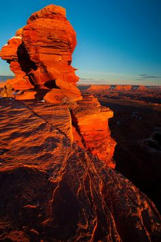 photo by Kevin McNeal Beautiful Places, Beautiful Pictures, Beautiful Sky, Utah Red Rocks, Places To Travel, Places To See, Canyonlands National Park, Travel Images, Nature Photography