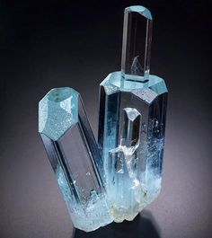 Aquamarine - Shigar Valley, Gilgit, Pakistan Size: 44 x 27 x 12 mm