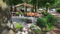 Camping Schwielowsee: liebevoller Naturcampingplatz in traumhafter Lage. Noch nie haben wir auf einem Campingplatz so liebevolle Details gesehen. Perfekt für Familien und Camping mit Kindern. Camping Am See, Trekking, Germany, Hiking, Patio, Outdoor Decor, Limes, Van Travel, Public Bathing
