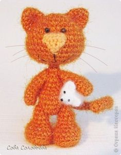 crochet cat and mouse.