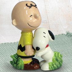 Charlie Brown & Snoopy Salt & Pepper