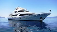 The 36.58 metre motor yacht Reef Chief, jointly listed for sale by Bradford Marine and Northrop & Johnson, has had a further $545,000 price cut.