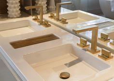 Misturador Dream, acabamento D.Coat Gold Matte. Casa Cor SP 2013, Loft do casal by Denise Barretto