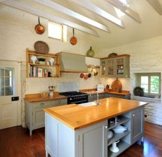 Old Style Kitchens - Collar City Brownstone