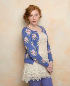 Free knitting pattern - Flower by Martin Storey in Rowan Siena 4 Ply… Knitting Stitches, Knitting Patterns Free, Knitting Yarn, Knit Patterns, Free Knitting, Free Pattern, Laine Rowan, Punto Fair Isle, Handgestrickte Pullover