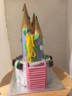 Castle cake How To Make Cake, Gingerbread, Castle, Desserts, Food, Deserts, Dessert, Meals, Yemek