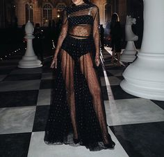 """Haute Couture dresses I'm currently obsessed with"" Silver Linings, Runway Fashion, High Fashion, 90s Fashion, Textiles Y Moda, Estilo Kardashian, Stylish Clothes For Women, Haute Couture Dresses, Inspiration Mode"