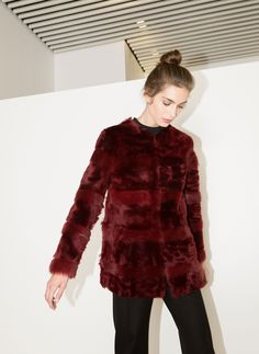 Uterqüe España Product Page - Colección - Prenda exterior - Abrigo pelo rojo - 895