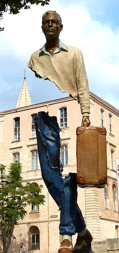 sculptor Bruno Catalano (France) in Gillonnay, France by (photo) Claire Tresse