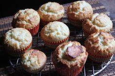 Bakery Style Vanilla Muffins Recipe - Yummy Tummy Vanilla Muffin Recipe, Vanilla Cake, Bakery Style Muffin Recipe, Cupcake Cases, Vanilla Essence, Cake Batter, Melted Butter, Muffin Recipes, Muffins