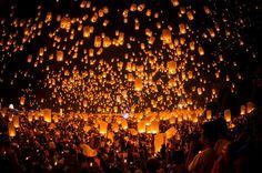 Laternenfestival im thailändischen Chiang Mai: Zum Vollmond im November bietet...