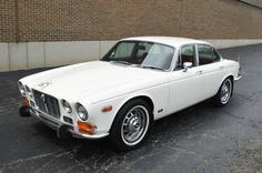 1973 Jaguar XJ6 - Series I
