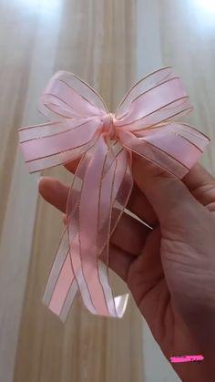 How To Tie Ribbon, Ribbon Art, Diy Ribbon, Ribbon Crafts, How To Make Bows, Ribbon Bows, Ribbons, Making Hair Bows, Diy Hair Bows