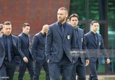 Daniele De Rossi of Italy pose for a team photo ahead of the UEFA Euro 2016 at Coverciano on June 1, 2016 in Florence, Italy. #Giaccherini