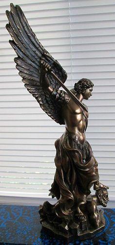saint-michael-statue-rightside-TL-1535.jpg 423×900 pixels