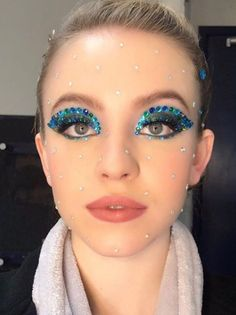 """We discussed the ground-breaking eye makeup looks in HBO's """"Euphoria"""" as well as what deeper meanings they may have for each character. Makeup Trends, Makeup Inspo, Makeup Inspiration, Makeup Tips, Beauty Makeup, Makeup Ideas, Gem Makeup, Devil Makeup, Rave Makeup"""