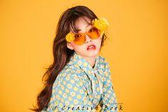 [잇아이템] 신세휘 꽃을 품은 팔색조 뷰티화보 공개 #topstarnews