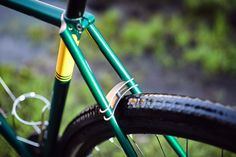 #gravel #bilaminating #columbus #custom #madeinpoland #bicycle #frontrack #rack #stainless #nierdzewny #shimano #nitto #regal #retroshift #gevanelle #dtswiss #bike #grass #bikeporn #4130 #bridge