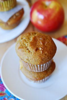 Pumpkin banana muffins with apples and cinnamon by JuliasAlbum.com, via Flickr