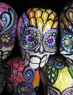 Great supply place to buy DIY paper mache skulls....