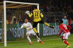 Aubameyang acaba com todas as dúdivas. Dortmund 4 - 0 Benfica https://angorussia.com/desporto/aubameyang-acaba-todas-as-dudivas-dortmund-4-0-benfica/