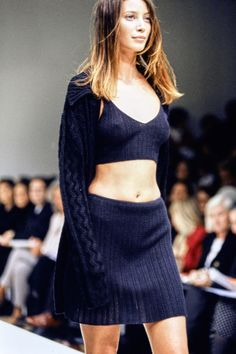 Couture Fashion, 90s Fashion, Runway Fashion, High Fashion, Fashion Show, Vintage Fashion, Fashion Outfits, Womens Fashion, Fashion Design