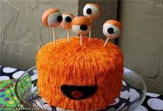 This is the cake that I'm going to be making for my little brother's birthday, only I'll be making it with sour straps. :)