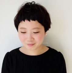 ベリーショート マッシュ | MOK トアウエスト店(モク)のヘアスタイル・髪型・ヘアカタログを探すなら楽天ビューティ。短い前髪にベーリーショートなマッシュショート。白い肌に柔らかいクセと暗い髪がマッチ。