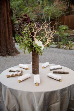 What a cute way for guests to find out where they are sitting.