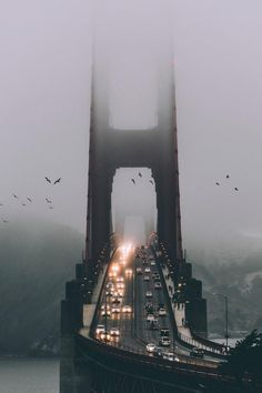 This is a misty morning at the bridge of Golden Gate in San Francisco, California. The Golden Gate Bridge is a suspension bridge spanning the Golden Gate, the one-mile-wide km) strait connecting San Francisco Bay and the Pacific Ocean. Photographie New York, Travel Photographie, The Places Youll Go, Places To Visit, Fall Inspiration, City Aesthetic, City Photography, Aerial Photography, Mobile Photography