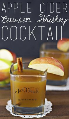 Apple Cider Bourbon Whiskey Cocktail Apple cider bourbon whiskey cocktails are easy to make for a crowd using a crock pot. Perfect for fall weather and football season! Whisky Cocktail, Cocktail Drinks, Cocktail Recipes, Alcoholic Drinks, Beverages, Fall Drinks Alcohol, Alcohol Punch, Drink Recipes, Warm Cocktails