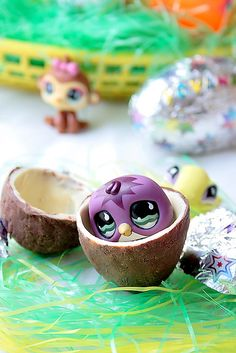 Make your own Kinder eggs! I really want to try this next Easter!!!