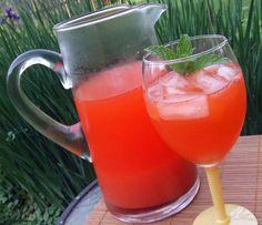 Refreshing Strawberry Lemonade