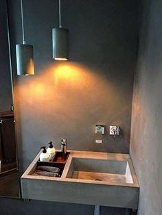 Betonwaschbecken / Beton Design Waschbecken / Aufsatzwaschbecken 100% Beton 70x40x16 cm Concrete Sink Bathroom, Concrete Kitchen, Bathroom Basin, Simple Bathroom, Modern Bathroom Design, Bathroom Interior Design, Kitchen Cabinets On A Budget, Washbasin Design, Outdoor Sinks