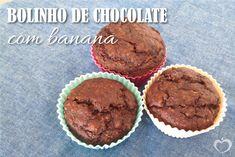 Bolinho de chocolate e banana - Blog da Mimis #receita #bolo #chocolate #bolodechocolate #blogdamimis