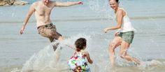 Copilul şi fobia specifică (frica de animale, apă, întuneric) New Moms, New Parents, Parenting 101, Ocean Themes, Enjoy Summer, Beach Fun, Holiday Pictures, 7 Habits, Holiday Fun