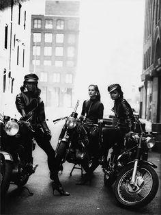 Moto at it's best! naomi-karen-helena-peter-lindbergh-1991 wild at heart