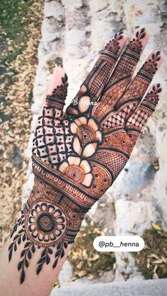 Mehndi Designs Front Hand, Mehndi Designs For Kids, Floral Henna Designs, Latest Henna Designs, Henna Tattoo Designs Simple, Mehndi Designs Feet, Stylish Mehndi Designs, Mehndi Designs 2018, Mehndi Designs Book