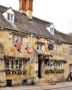 The Corner Cupboard Inn was built in 1550 as a farmhouse originally before becoming an inn. It is th...