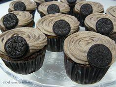 Nueva receta cupcakes Oreo - http://www.mytaste.es/r/nueva-receta-cupcakes-oreo-11708038.html